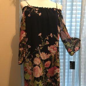 Dresses & Skirts - Beautiful flowers dress